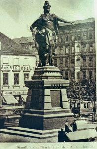 Statue der Berolina auf dem Alexanderplatz